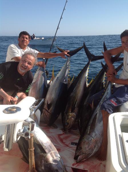 Puerto vallarta fishing report march 2013 for Deep sea fishing puerto vallarta